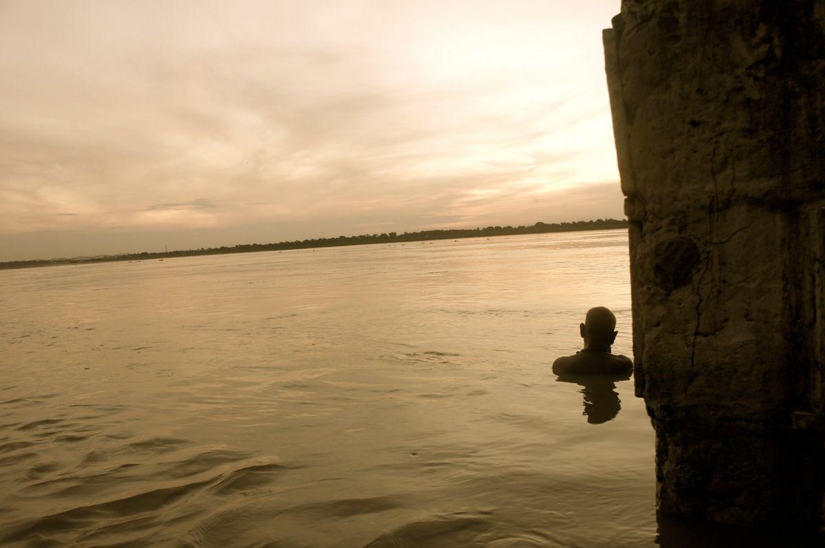 th_ガンジス川にて