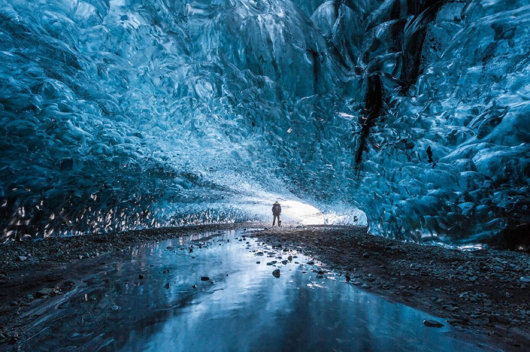 85singo_I-finally-visited-the-ice-caves-in-Iceland20__880