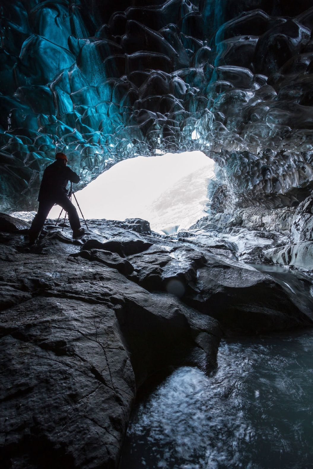 85singo_I-finally-visited-the-ice-caves-in-Iceland22__880
