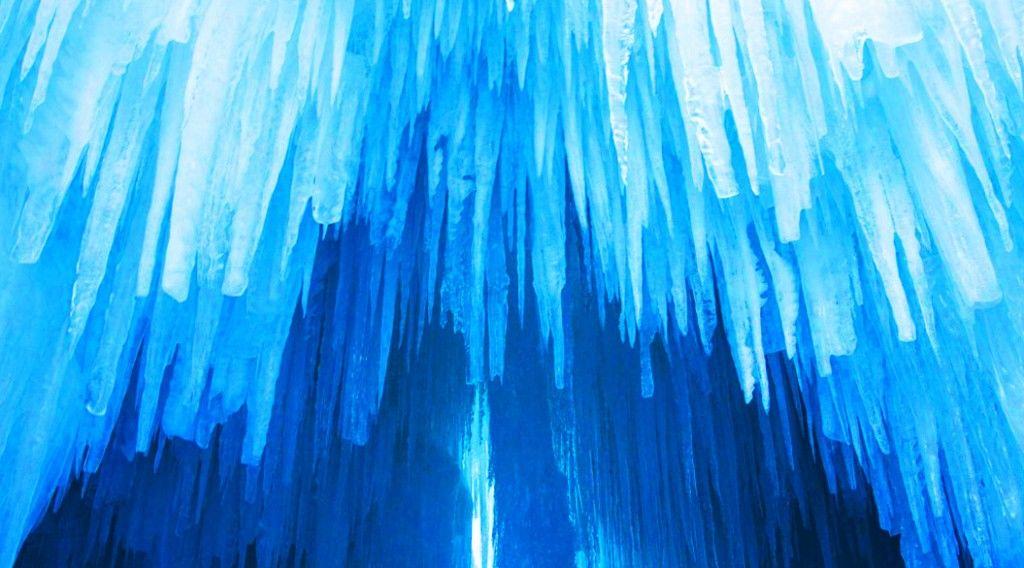 150303_ice-castle2