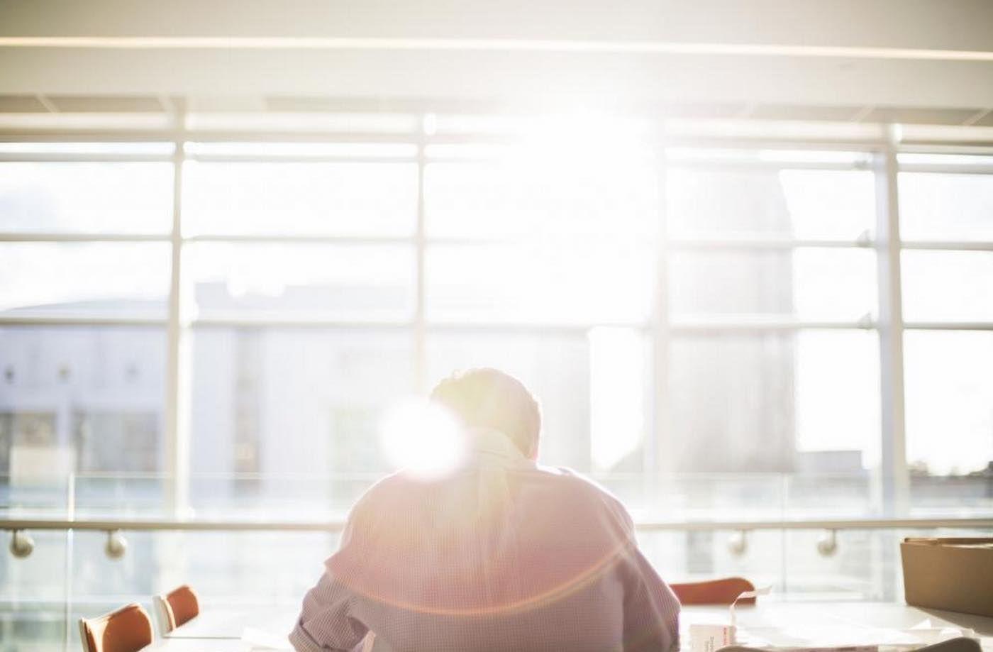 スタバの社長も実践。大成功している人が、毎朝8時前にやっている「10の習慣」