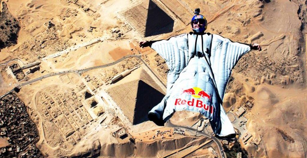 150409_wingsuit-pyramids02