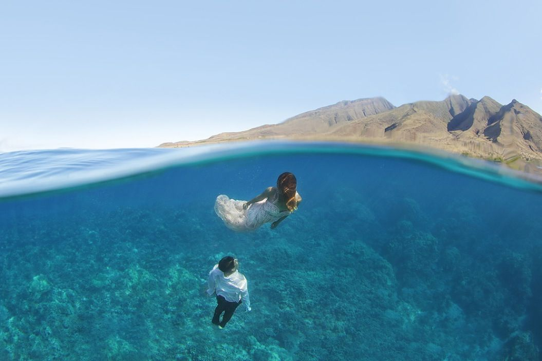 85singo_Underwater-Trash-Dress-Joelle-Perry-Gown-Maui-17