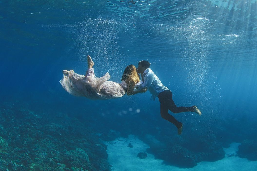 85singo_Underwater-Trash-Dress-Joelle-Perry-Gown-Maui-22