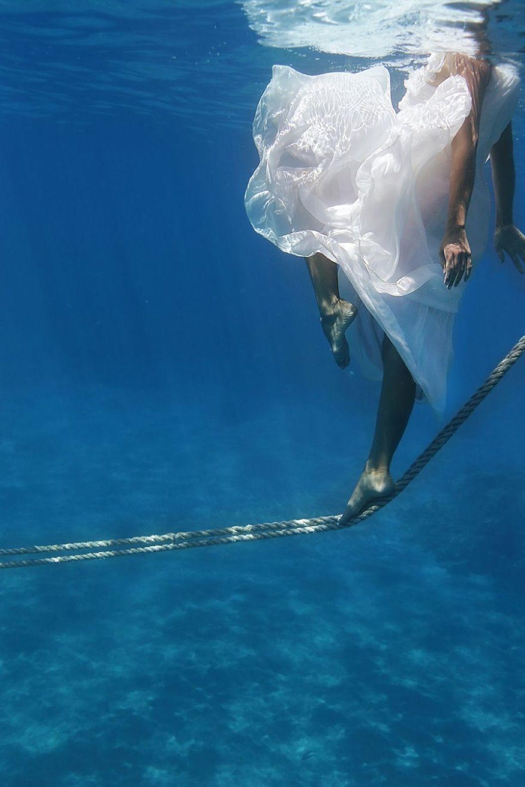 85singo_Underwater-Trash-the-Dress-Shoot-Maui9__880