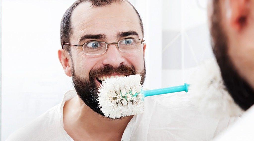 150610_poop-on-toothbrush
