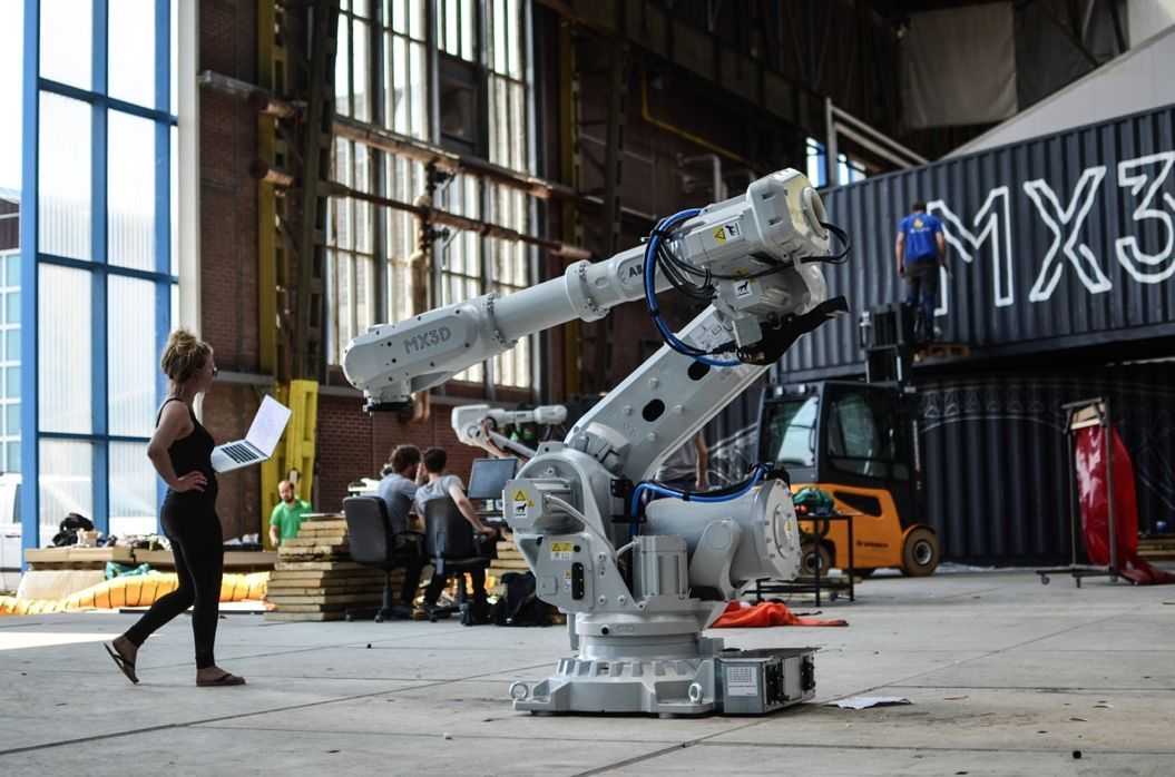 85singo_3047350-slide-s-12-this-robot-can-3-d-print-a-steel-bridge-in-mid-air-20-worksinprogres5