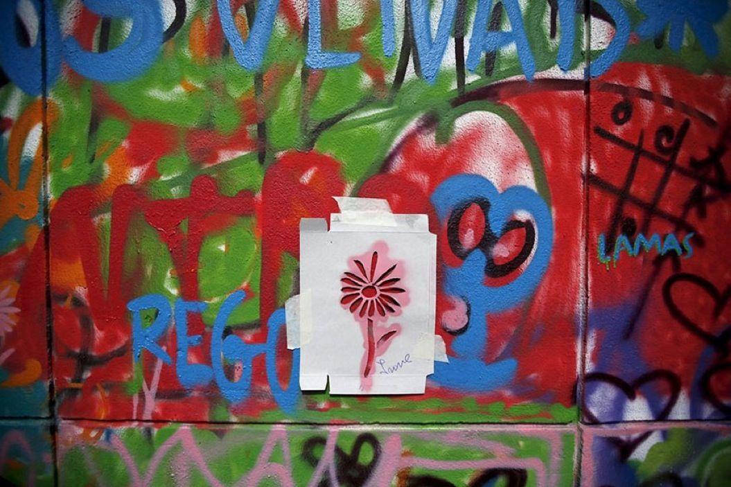 85singo_elderly-paint-graffiti-lisbon-lata-65-19