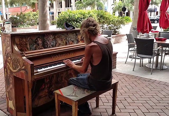 homeless-piano-3