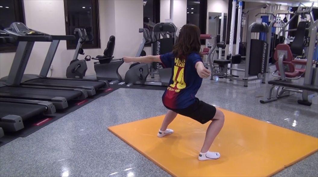 FireShot Capture 592 - お腹の脂肪+背中の脂肪まで落とすスクワット! - YouTube_ - https___www.youtube.com_watch7_R