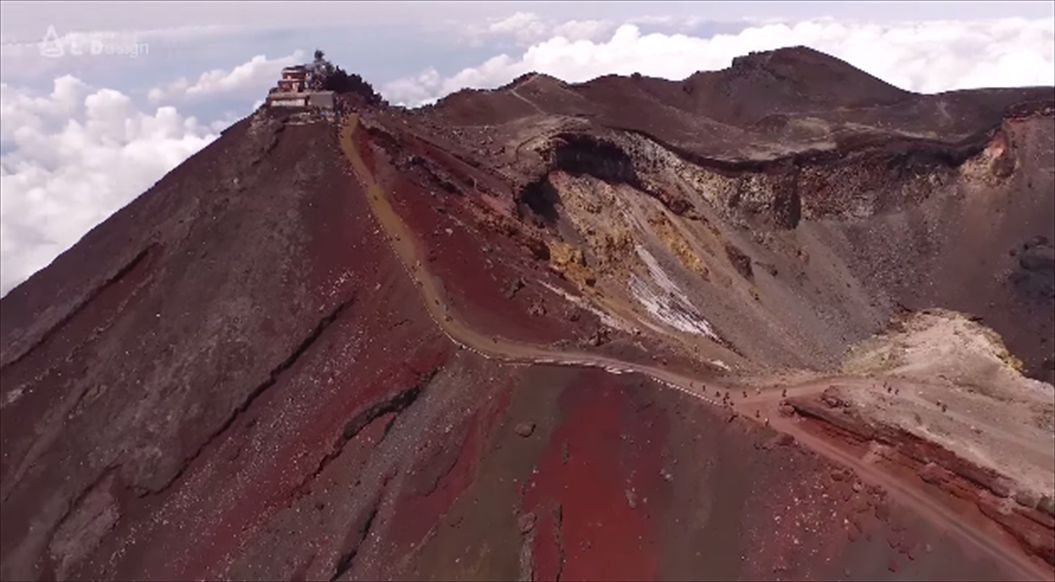 FireShot Capture 564 - Aerial view of Mt. Fuji crater _ 絶景 富士山頂空撮 -_ - https___www.youtube.com_watch33_R