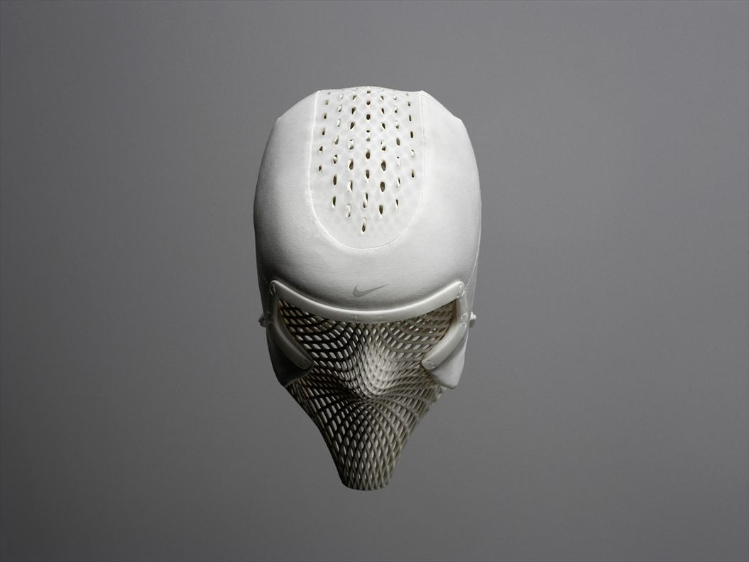 Nike_Track_Cooling_Mask_dark_HERO_V3_native_1600_R