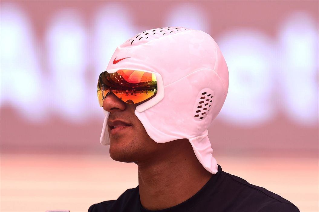 ashton-eaton-nike-cooling-hood-1_native_1600_R