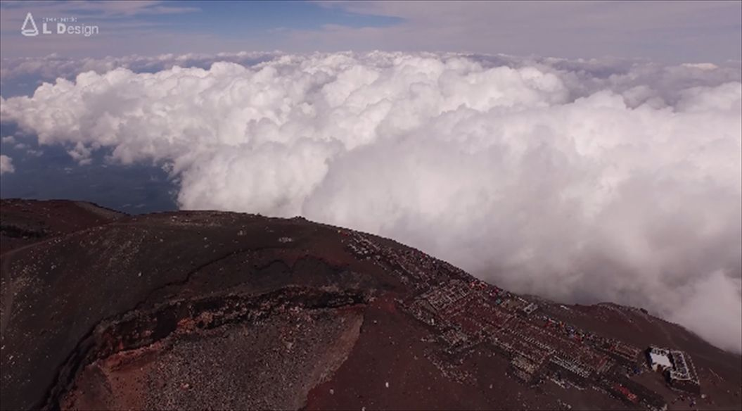 FireShot Capture 555 - Aerial view of Mt. Fuji crater _ 絶景 富士山頂空撮 -_ - https___www.youtube.com_watch5_R
