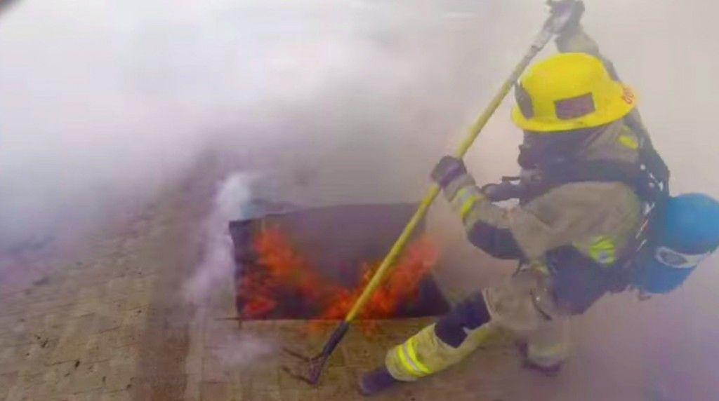 firefighterseye150908-0121-1