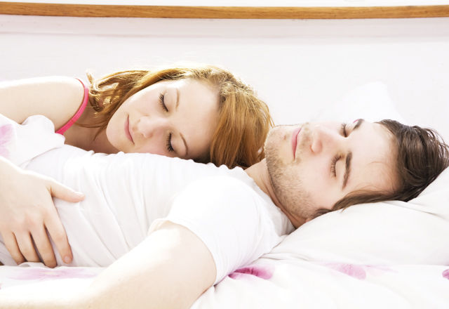 iStock_000006046185_MediumCouple on the Bed 150915-020-07