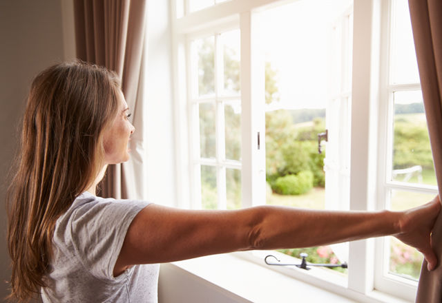shutterstock_3103103276-new-concepts-of-guideline-on-social-media150913-07