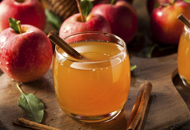 Organic Apple Cider with Cinnamon