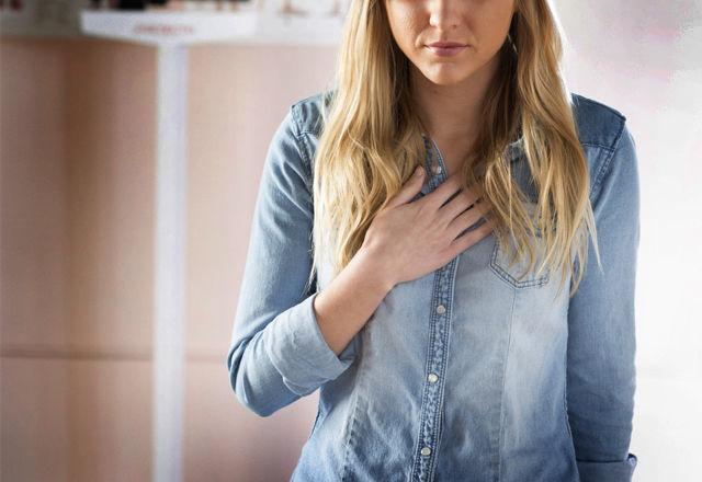 Describing symptoms in a doctor's office