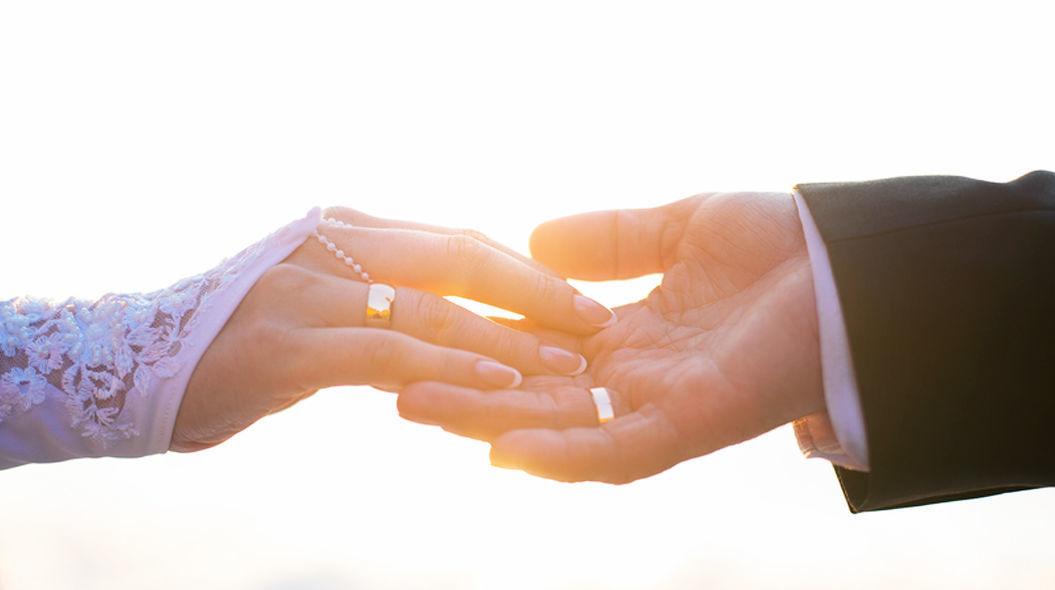【夢占い】結婚式の夢の意味とは?結婚指輪は恋愛運と強い関係がある!?