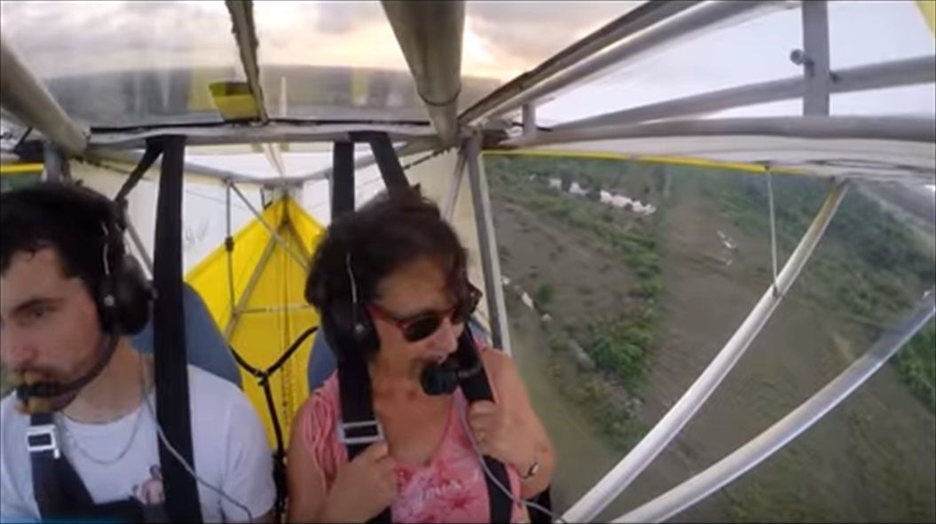 FireShot Capture 1411 - Remove cat before flight - YouTube_ - https___www.youtube.com_watch_R