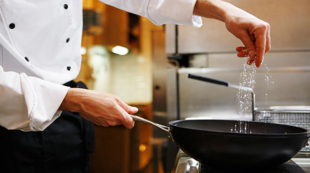 クリエイティブであり続ける「7つの秘訣」 味見する前から、料理の味は決めつけない。