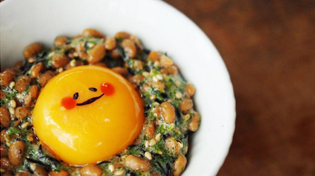 落ち込んだときに慰めてくれる、「納豆たまごかけごはん」がウマ優しい!