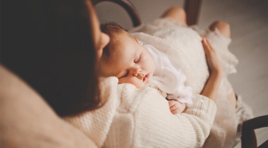 赤ちゃんを持つママにありがちな「睡眠の中断」 カラダへの負担がすごかった・・・(研究結果)