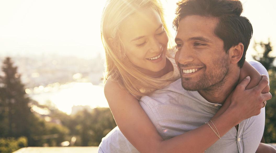 「重いくらい愛してくれる彼女」をもっと大切にするべき10の理由