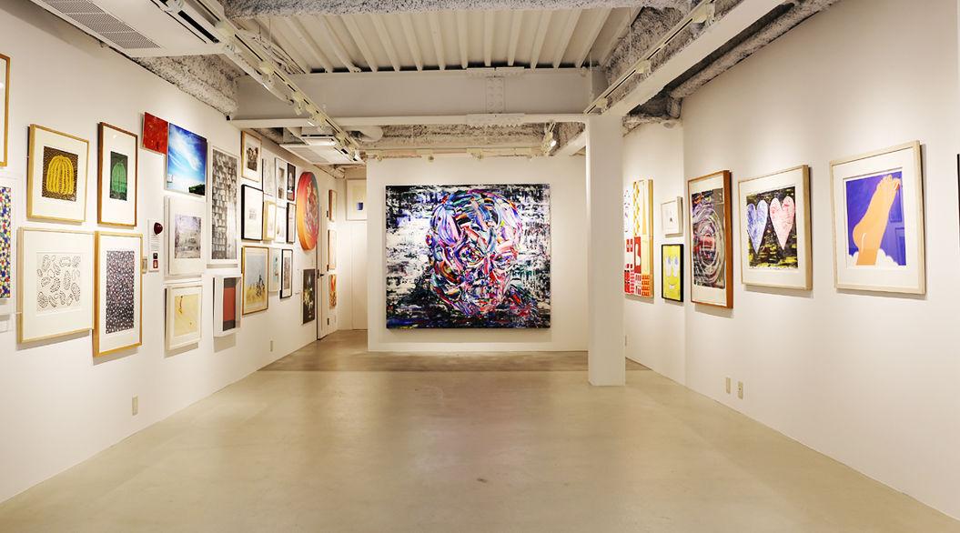 「自室の壁にアートを・・・」まずは、代官山で鑑賞&作品集をGETするのは、どう?