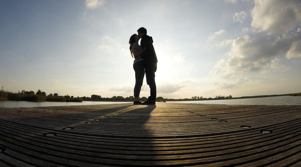 恋人がいるだけで得られる、6つの「ポジティブな効果」って?