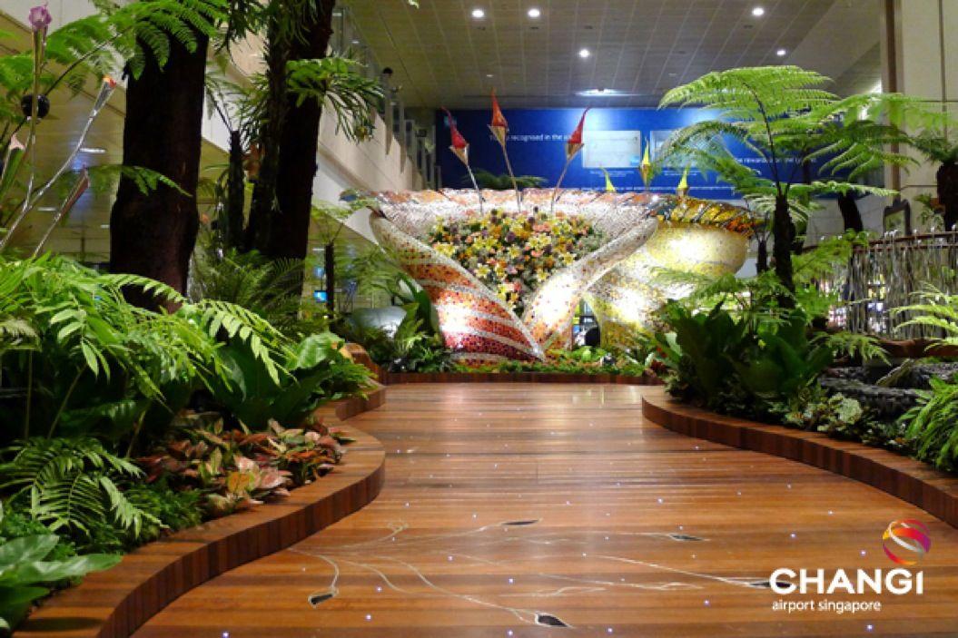 85singo_Terminal-2-Transit-Enchanted-Garden