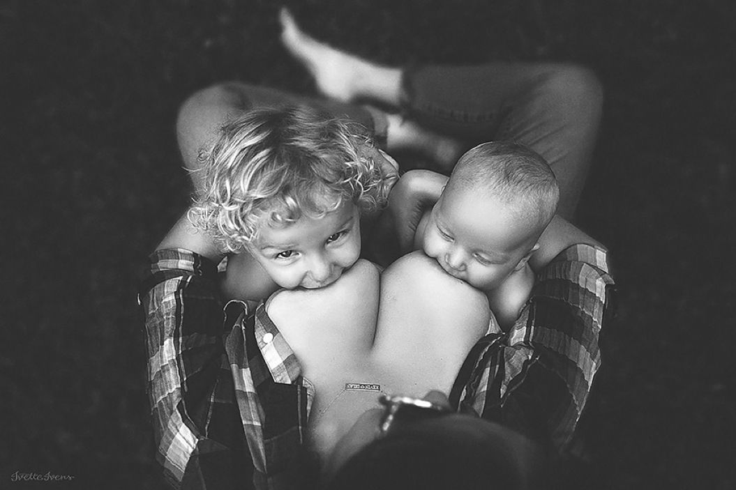 85singo_motherhood-photography-breastfeeding-godesses-ivette-ivens-1