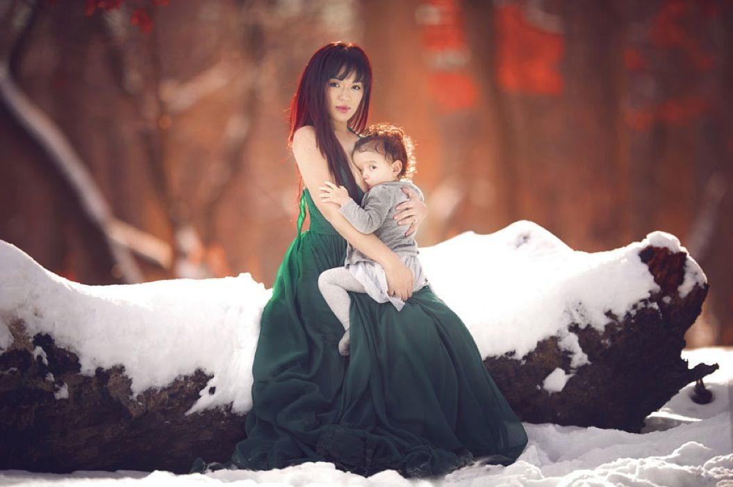 85singo_motherhood-photography-breastfeeding-godesses-ivette-ivens-15