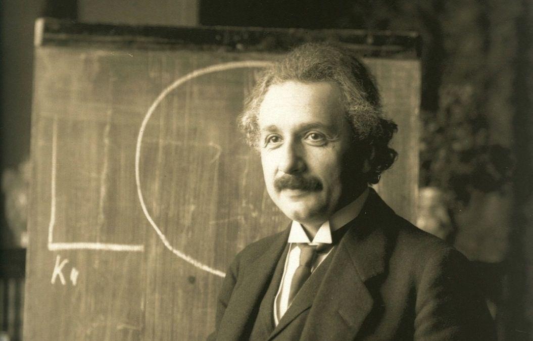 アインシュタイン「30の名言」。...