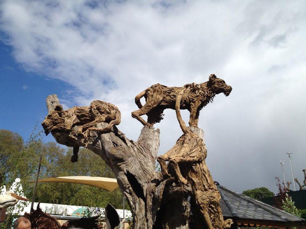 85singo_driftwood-animal-sculptures-jame-doran-webb-1