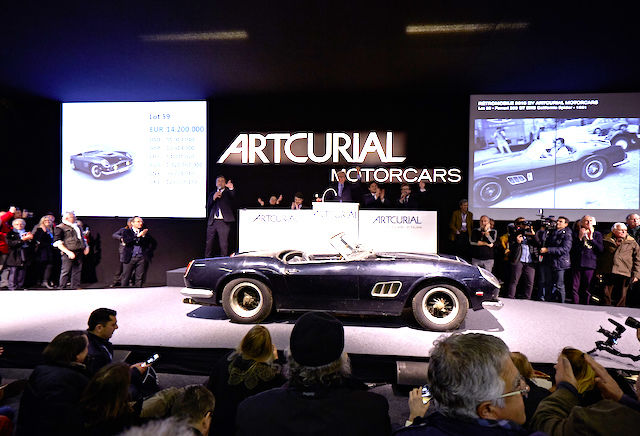 ARTCURIAL AUTOMOBILIA 2015-02