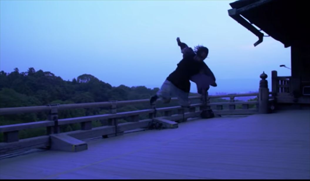 FireShot Capture 543 - 「清水の舞台」で世界一のダンスアーティストが躍動!その映像があまりにも幻想的・・・ I TABI LAB_ - http___tabi-labo.com_39_R