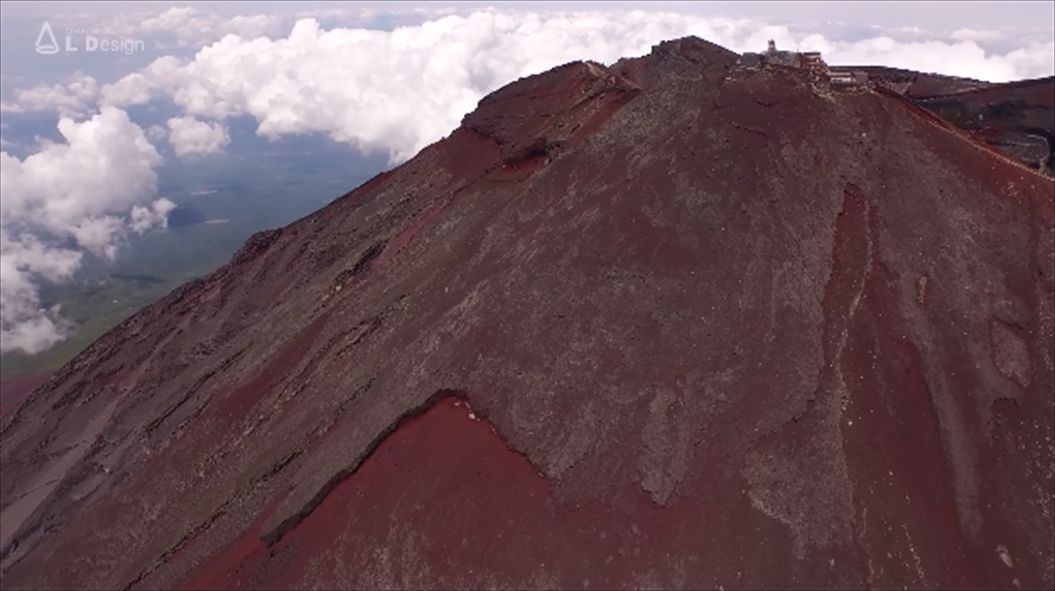 FireShot Capture 560 - Aerial view of Mt. Fuji crater _ 絶景 富士山頂空撮 -_ - https___www.youtube.com_watch10_R
