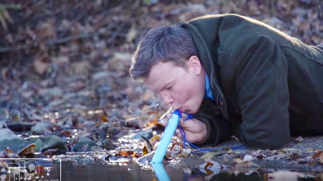 泥水が飲料水に変わる「魔法のストロー」が、世界を救う!