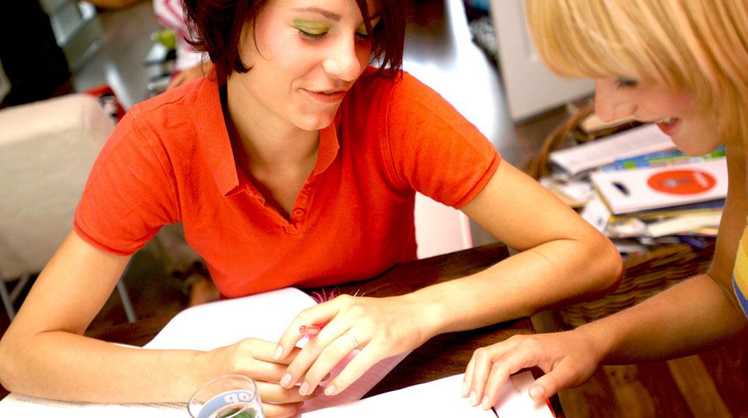3,000人のバイリンガルが実践、頭を使わない「9つの英語学習術」