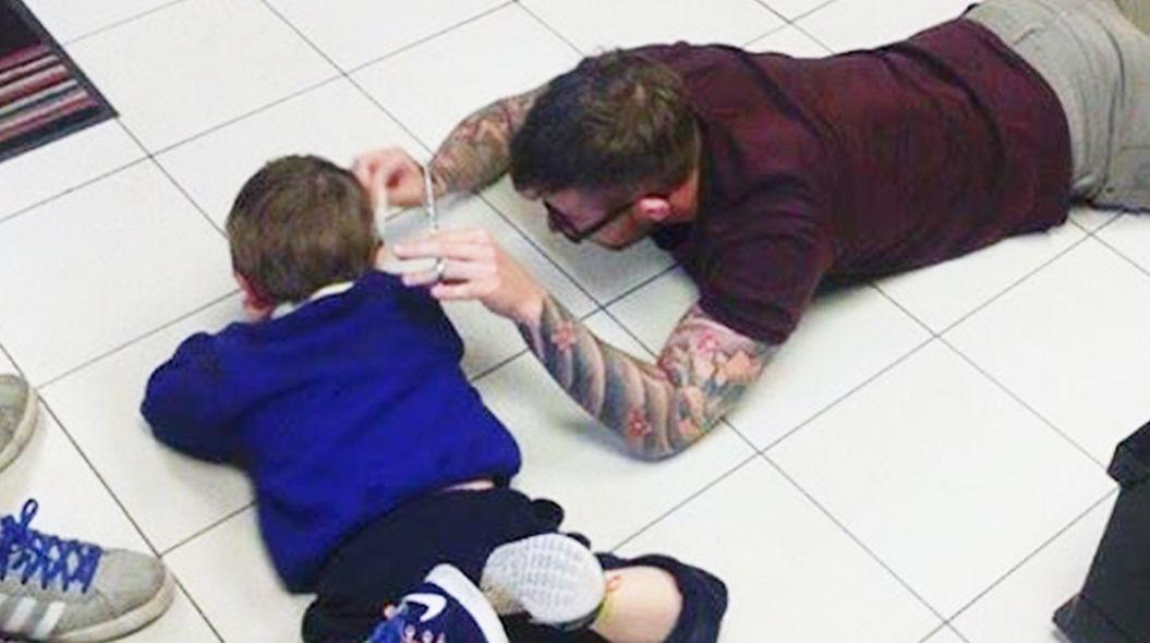 自閉症の男の子のために、美容師がみせたプロ意識がすごい・・・