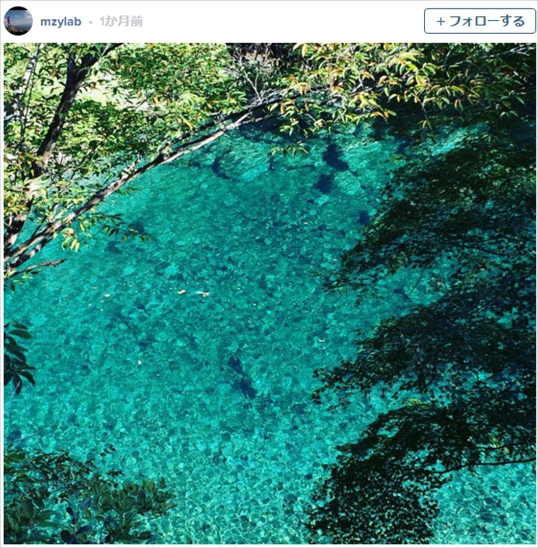 FireShot Capture 1367 - 紅葉とエメラルドグリーンの水が美しい、「ユーシン渓谷」を知っていますか? I TABI LABO_ - http___tabi-labo.com__R