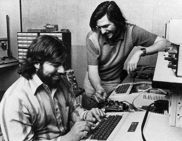 1348954053_steve-jobs-and-wozniak-1977_1024x796_91966-e1440005962498