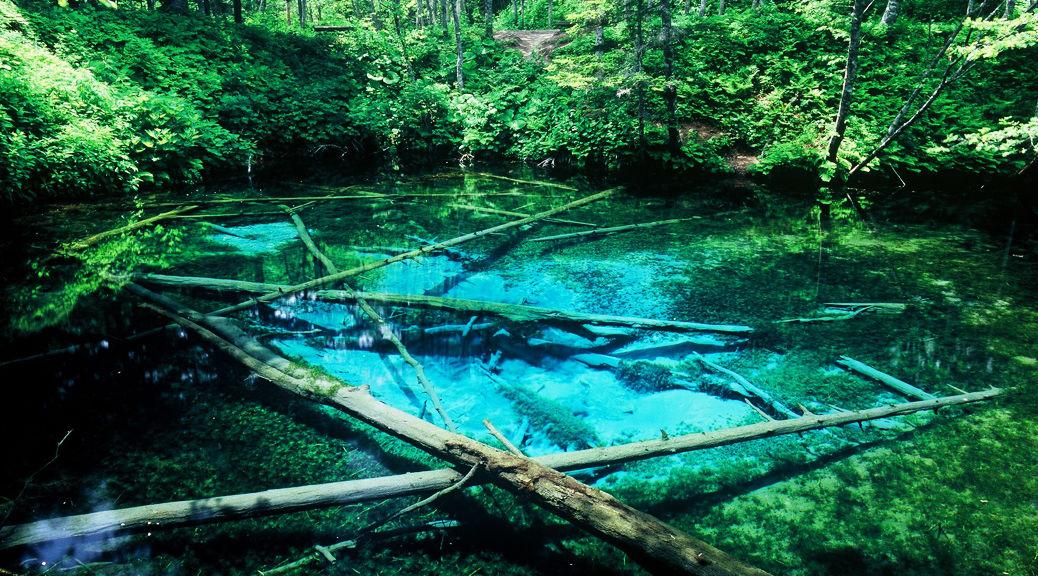 ガイドブックにもあまり載っていない!?北海道にある「神の湖」が神秘的・・・